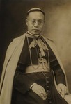 Bp. Joseph Tchang, Mgr. Joseph Comisso, the clergy of Xuanhua, and seminarians