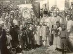 Fr. Dmitry A Mlodzyanovsky with Russian Orthodox Christians